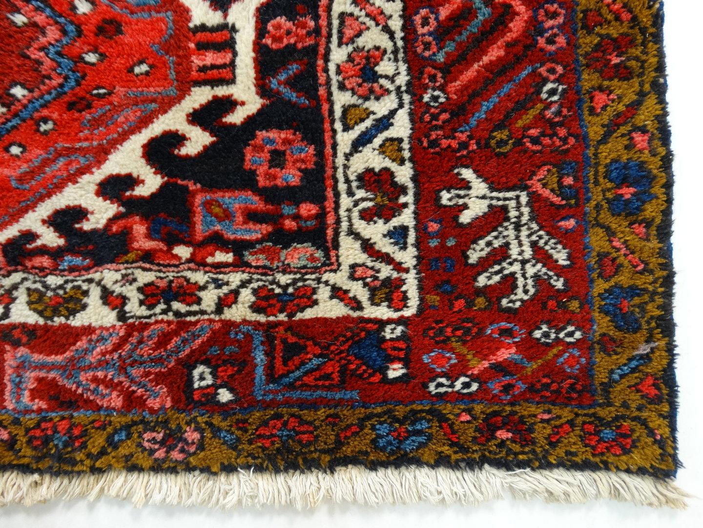 Handgeknoopt Tapijt Herkennen : Perzisch tapijt mashad e eeuw ca catawiki